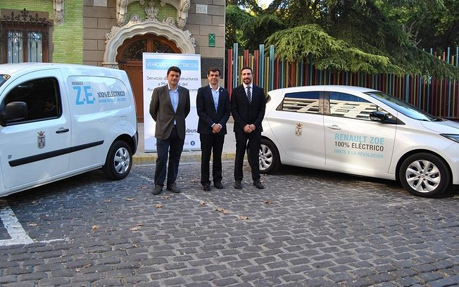 Subus cede dos vehículos eléctricos al Ayuntamiento de Albacete